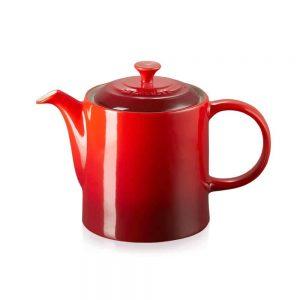 Le Creuset Grand Teapot Cerise 1.3L